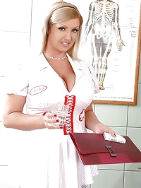 Nurse Chintia Flowers titty-fucked