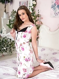 Honour looking super in her retro dress, soon peels down..