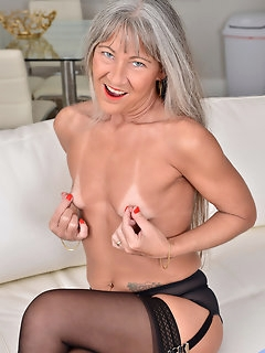 Bald Nylon Porn