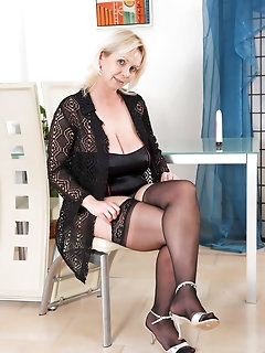 Cougar Nylon Porn