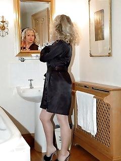 Bathroom Nylon Porn